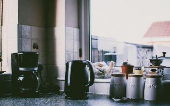 How to Clean Your Electric Kettle the Right Way